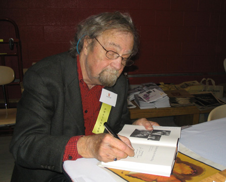 Donald Hall, new US Poet Laureate, signs books, Ann Arbor MI 2005